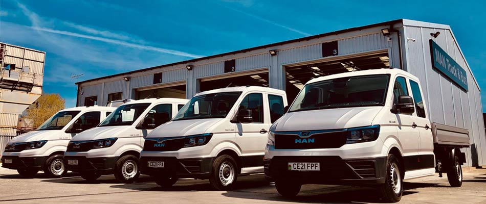 4 x MAN TGE Crew Cab Dropside Vans for Runtech