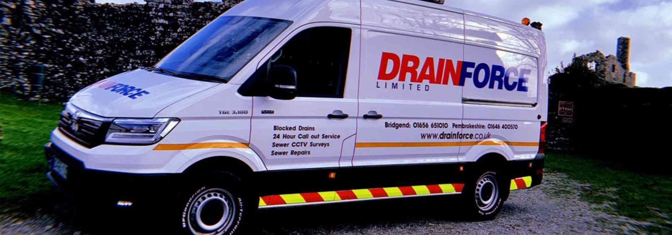 MAN TGE vans: Triple Delivery for Drainforce, Bridgend